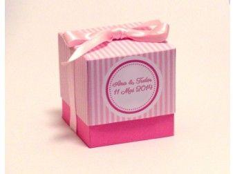 Marturie nunta cutiuta roz cu dungi