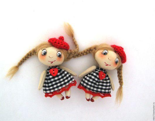 Коллекционные куклы ручной работы. Ярмарка Мастеров - ручная работа. Купить Брошки в красных беретках. Handmade. Ярко-красный, Париж