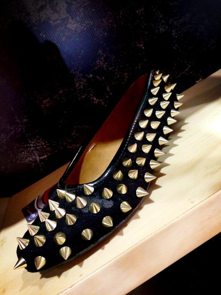 Zapatos con taches
