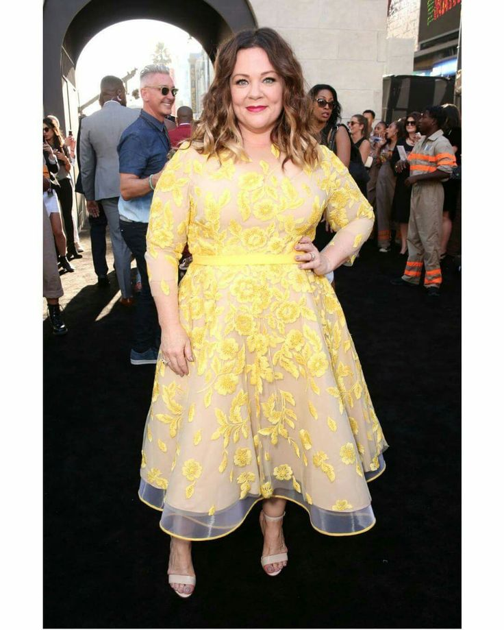 For some reason IG would not let it post, but here is Melissa McCarthy looking absolutely divine at the LA premiere of #Ghostbusters! Styled by designer and stylist Judy B Swartz!
