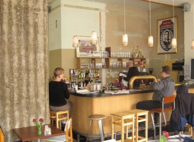 Cafe Cantona / Windmühlenstraße 29 / 04107 Leipzig