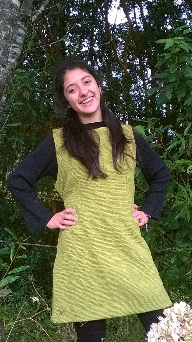 Vestido corto para este invierno. Confeccionado en telar mapuche y lana natural