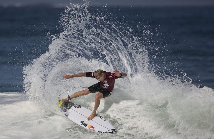 12.05 Le surfeur Mick Fanning, lors d'une compétition de niveau mondial à Rio de Janeiro, au Brésil. Photo: AP