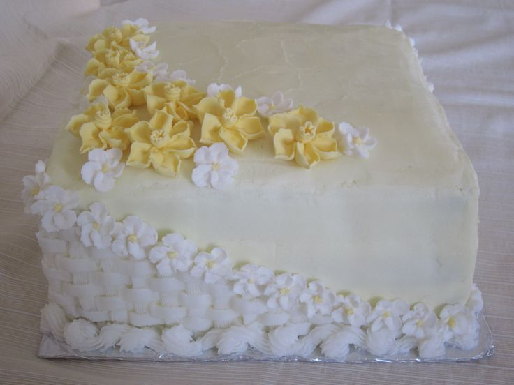 Cake Decorating Classes Grand Rapids Mi : The 96 best images about Halal Cakes on Pinterest Spider ...