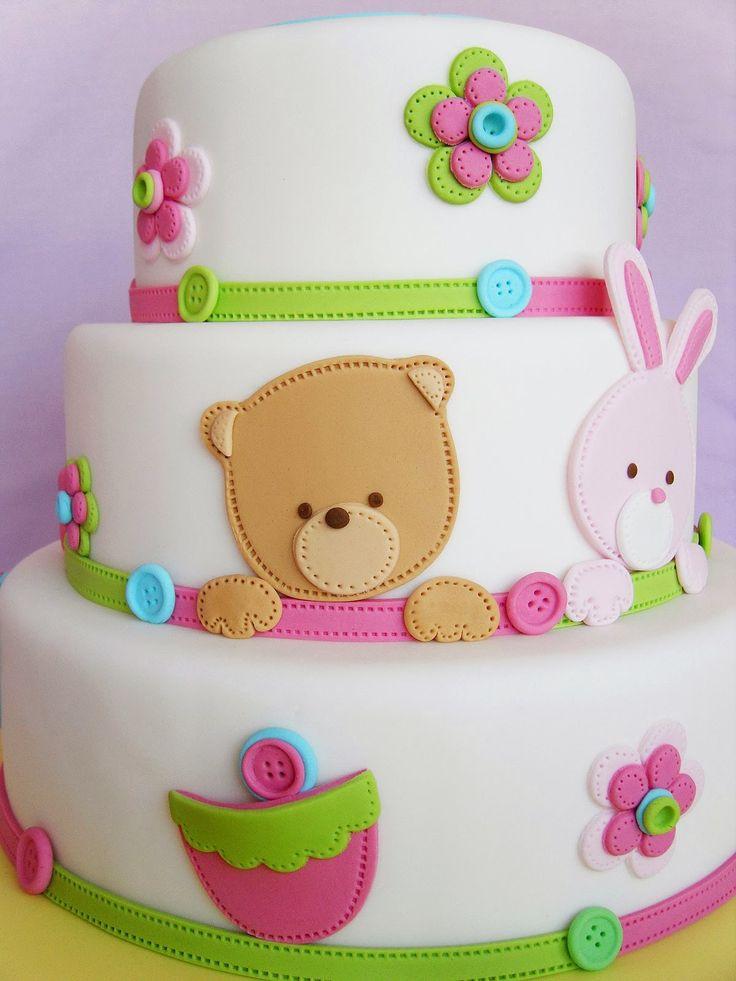 Adorable torta infantil de ositos y conejitos. Explicación paso a paso con moldes descargables de los animalitos. by Deborah Hawang