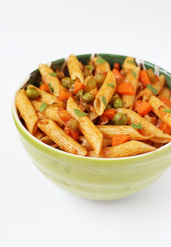 indian style pasta recipes - masala pasta recipe, a delicious, mildly spicy pasta with flavors of Indian spices. Makes a great after school snack for kids.