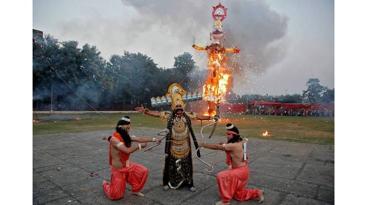 Punjab celebrated Dussehra with great enthusiasm and passion. So much so is the anger in masses against Pakistan sponsored terrorism that effigies representing Pakistan and terrorism were burnt in many places. Sharing the pictures of burning of the effigies of Ravana, Meghnad and Kumbkarana on the eve of Dussehra celebrations in Patiala, Amritsar, Chandigarh & Faridkot