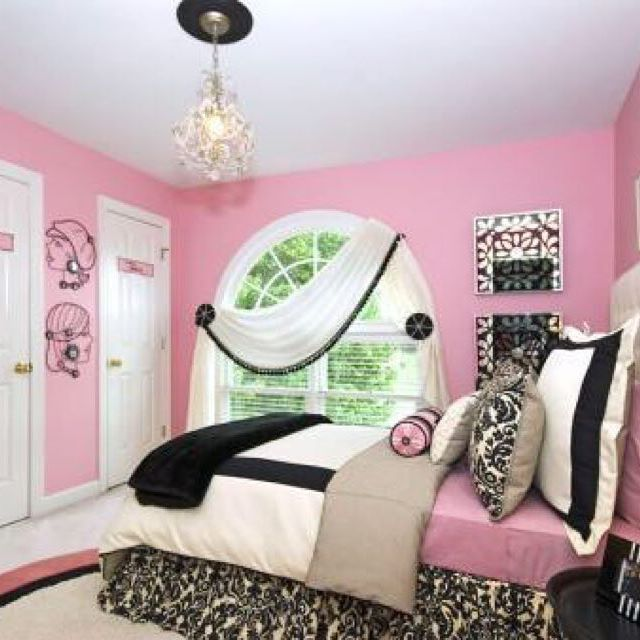 Pretty in pink! (by Kimberli Designs)  #HAinspiration #HomeAdvisor #homeprojects…