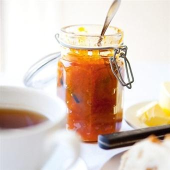 Fredriks morotssylt med ingefära, vanilj och aprikos