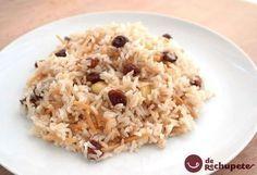 Cómo preparar el famoso arroz al estilo árabe tan famoso en la cocina peruana. Un arroz con un toque dulce que acompaña las comidas de sabores fuertes en la navidad peruana. Paso a paso y fotos