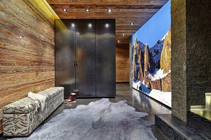 Alpine Spirit- Penthouse in Kitzbühel: luxuriöser Eingangsbereich mit hochertiger Ausstattung.