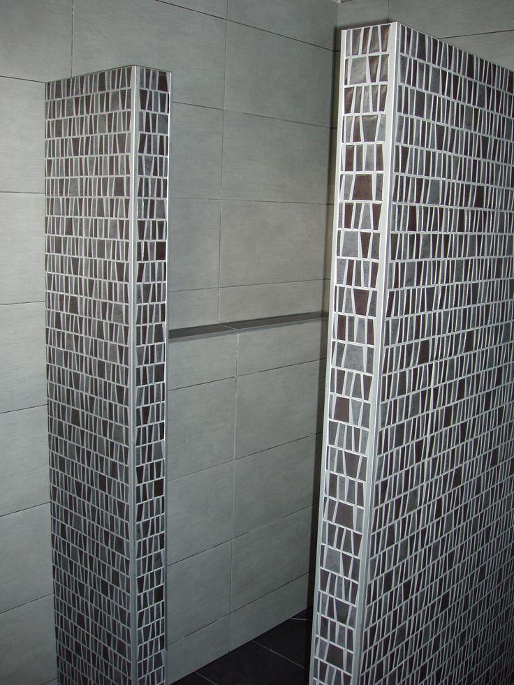 29 beste afbeeldingen over vloer tegels op pinterest keramiek mineralen en vloeren - Badkamer met mozaiek ...