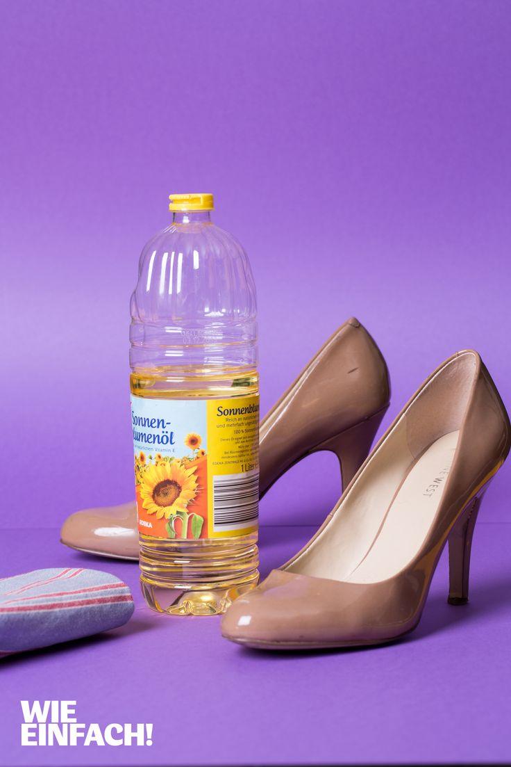 Kleine Streifen oder Schmierspuren auf Lackschuhen lassen sich mit etwas Sonnenblumenöl und einem Lappen ganz leicht entfernen. Foto: Torsten Kollmer