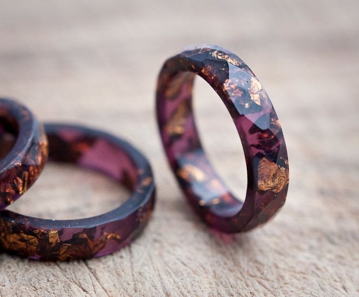 Deep Purple Resin Ring Stacking Ring Copper Gold Flakes Small Faceted Ring OOAK dark burgundy acai geometric jewelry rusteam by daimblond on Etsy
