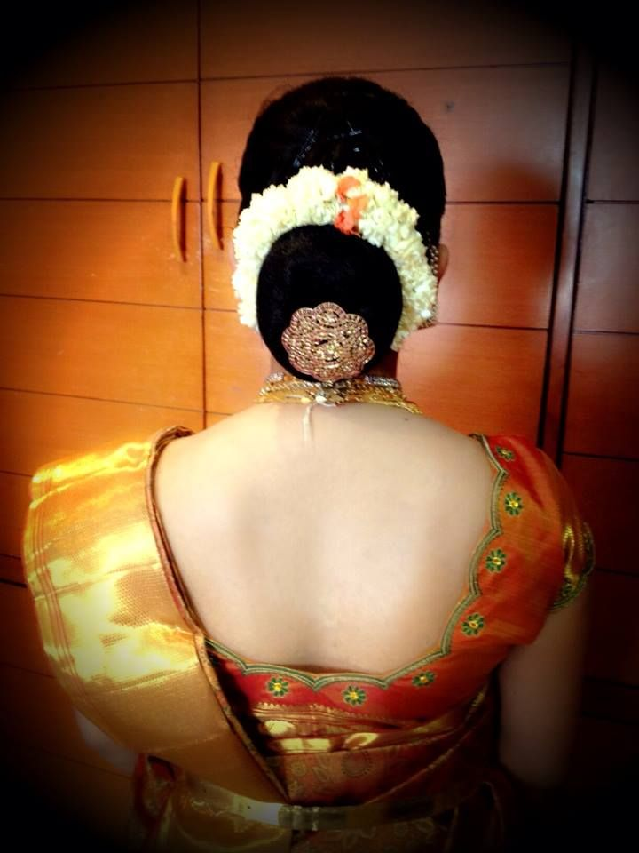#South #Indian #bridal #bun #hairstyle