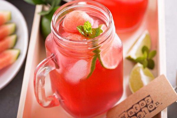 Арбузный лимонад с мятой и лаймом, ссылка на рецепт - https://recase.org/arbuznyj-limonad-s-myatoj-i-lajmom/  #Напитки #блюдо #кухня #пища #рецепты #кулинария #еда #блюда #food #cook
