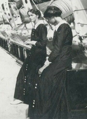 Grand Duchesses Olga and Tatiana Nikolaevna Romanova of Russia.A♥W