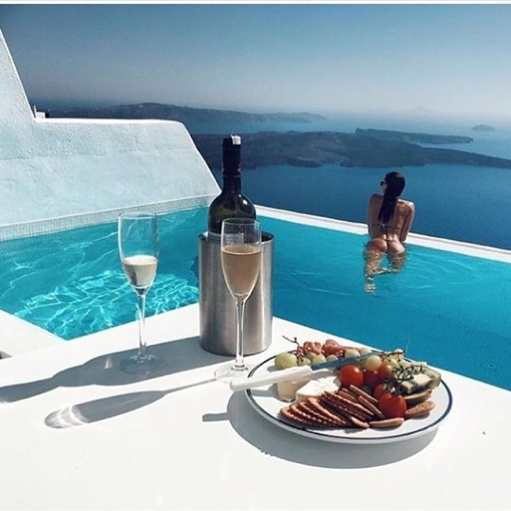 who we are luxury travel amp lifestyle connoisseurs - 736×736
