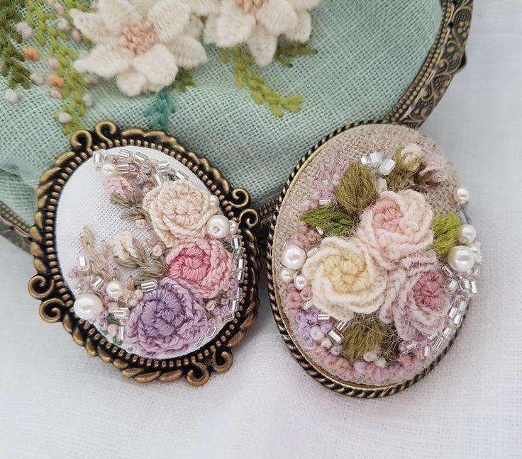 자수브로치..이번엔 울사입니다^^#embroidery needlepoint #stitching #bordado##bordados#handmade #ricamo #needlework #flowerbrooch #brooch #프랑스자수 #별헤는자수 #별헤는자수스텔라#핸드메이드#취미자수#자수소품#자수브로치#브로치#꽃자수#입체자수#창작자수#불펌앙대요#일산자수#일산자수수업#자수원데이