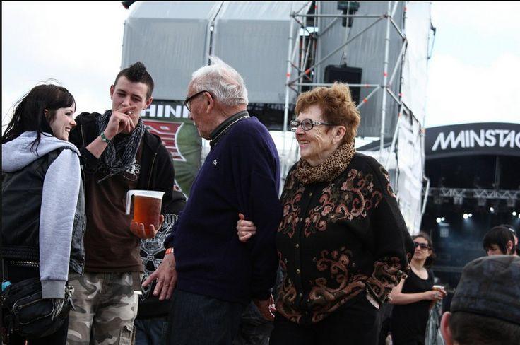 """Personnes âgées au HellFest : 10 bonnes raisons of """"death !"""" d'aller au HellFest"""