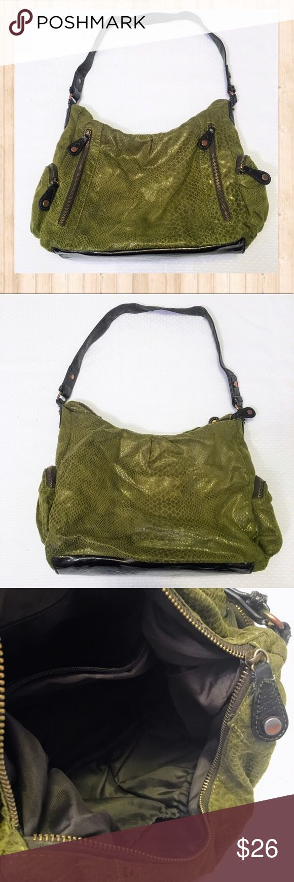 "Apt. 9 green crocodile green shoulder bag Apt. 9 green slouchy crocodile print green shoulder bag. Functional side pockets. General signs of wear throughout. Height: 10"" Width: 15"" Depth: 5"". Apt. 9 Bags Shoulder Bags"