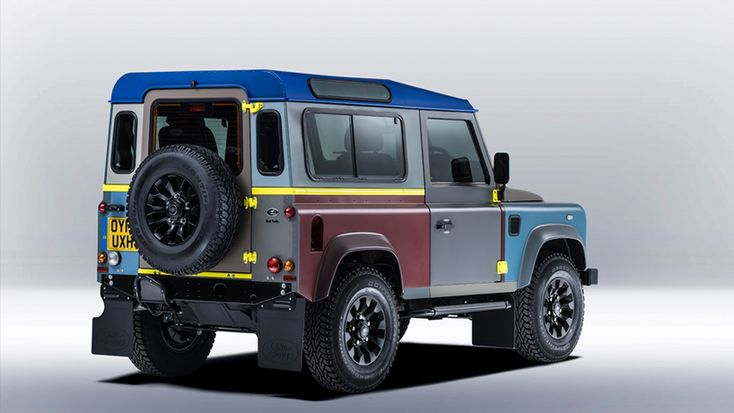 as a tribute to the land rover defender which is set to cease production in december 2015, british fashion designer paul smith collaborates with land rover's special vehicle operations division and chief creative officer gerry mcgovern to produce a one-off edition.
