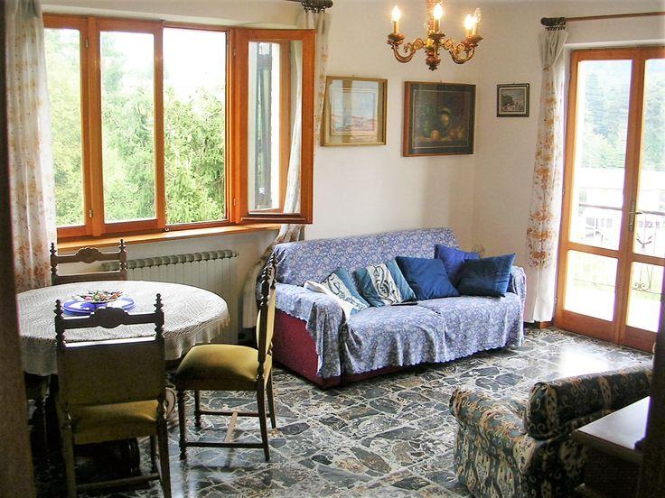 Appartamento Rinella - Villa Sebina - Castione della Presolana - Bergamo - Lombardia - Val Seriana - Orobie Sala da Pranzo con Vista Panoramica e Divano Letto