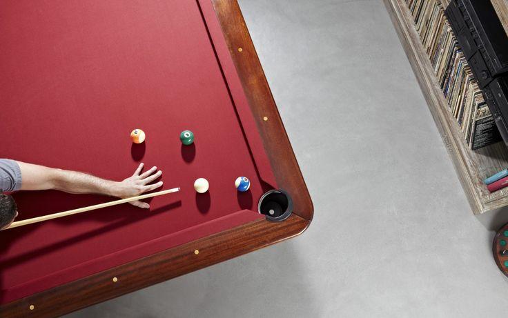 Anche la sala giochi è rivestita con #Microtopping: in soli 3 mm di spessore, un #pavimento bello e resistente, a prova di palla da #biliardo! #design #fun