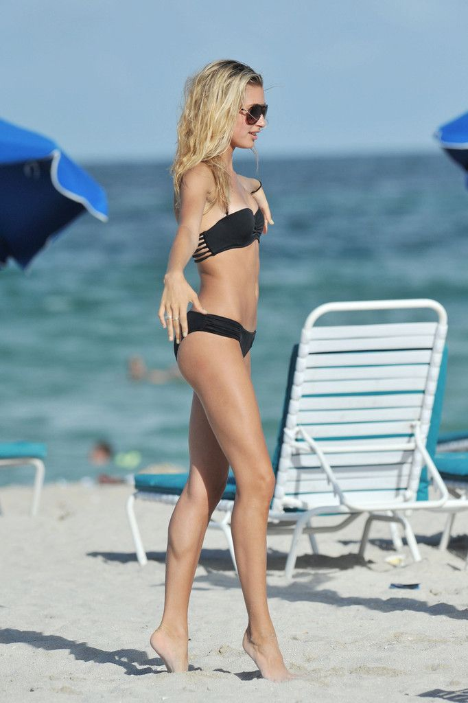 Stephen Baldwin's daughter, dancer Hailey Baldwin practices on the beach with her friends this afternoon where they showed off their dance moves in the sand. Description from zimbio.com. I searched for this on bing.com/images