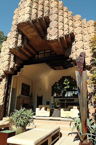 John Sowden House in Hollywood, California, designed in 1926. Lloyd Wright (FLWs eldest son)