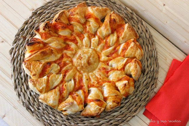 Estrella de hojaldre 4 quesos y jamón