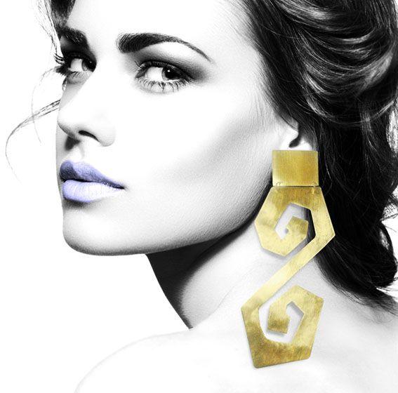 Handmade bronze earrings inspired from ancient Greece