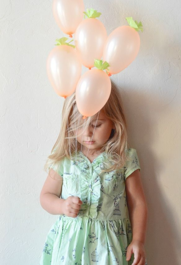 Mini Carrot Balloons...these would be adorable tied to an Easter basket!