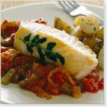 Filets d'aiglefin, sauce tomate aux câpres