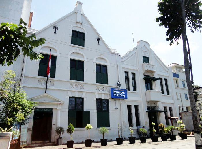Here it is: Located in Fatahillah Square, the museum was a church that became a place to keep the wayang collection in Jakarta. (Photo by Edna Tarigan)