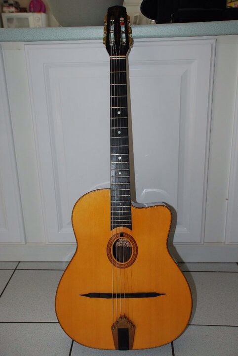 282 best gypsy manouche guitars images on pinterest acoustic guitar acoustic guitars and guitars. Black Bedroom Furniture Sets. Home Design Ideas