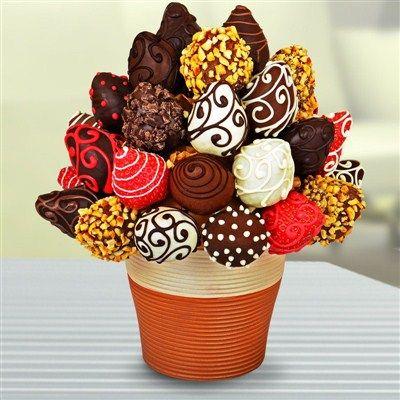 Meyve Sepeti deyip geçmeyin çikolata ile çileğin aşkı size en güzel hediyeyi verdirsin! Doğum günü hediyesi için bir fark yaratmak için doğru seçim