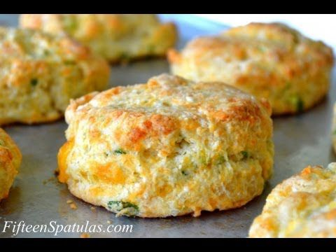 Cheddar Scallion Biscuits (and how to make biscuits fluffy) – Fifteen Spatulas
