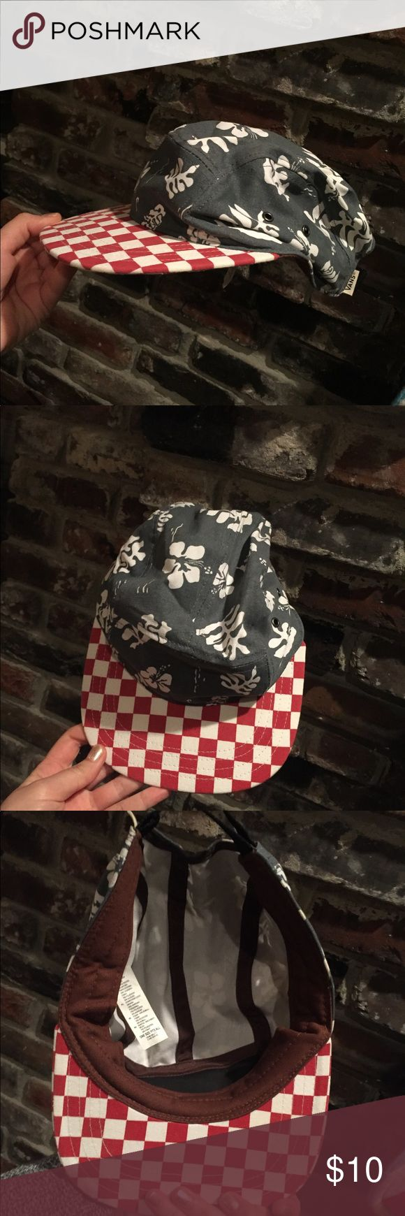 Vans original checkered hat LIKE NEW Very fun vans hat. Barely worn, condition is like new. Stiff rim with the fun tropical print on medium blue. Red checkered rim! Beautiful hat for a fun indie outfit. Vans Accessories Hats