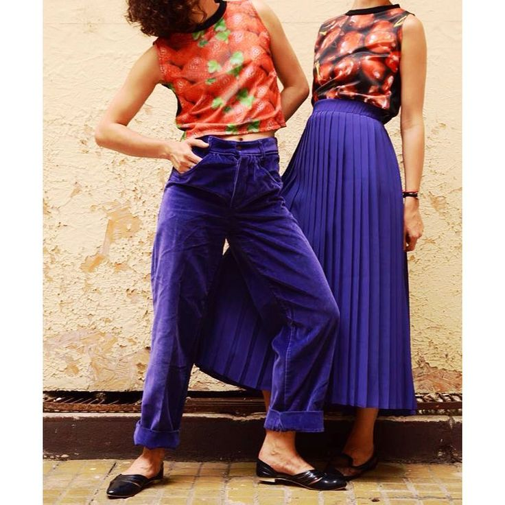 Mix and Match 💜❤️  Vintage and brand new design daily look from   #szputnyik #szputnyikshop #budapest   #purple #velvet #trousers #pleatedskirt #fruit #pattern #croptop #strawberry #cherry #couple #ootd