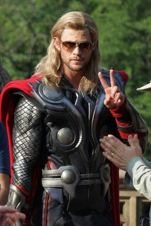 Thor: Shades, Chris Hemsworth, Heroes, God, Chrishemsworth, Peace Signs, Movie, Thor, The Avengers