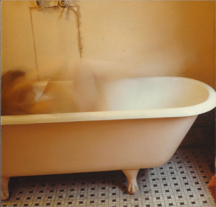 <p>On+19/1/1981+Francesca+Woodman+jumped+to+her+death+from+the+window+of+a+N.+York+loft.+As+a+photographer,+she+was+prodigious+and+original.+Although+she+used+different+cameras+and+film+formats+during+her+career,+most+of+her+photographs+were+taken+with+medium+format+cameras+she+created+at+least+10,000+…</p>
