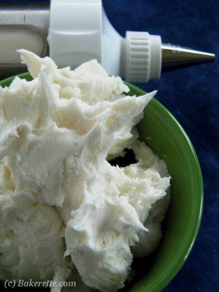 White-Buttercream-Frosting(428x570)-text
