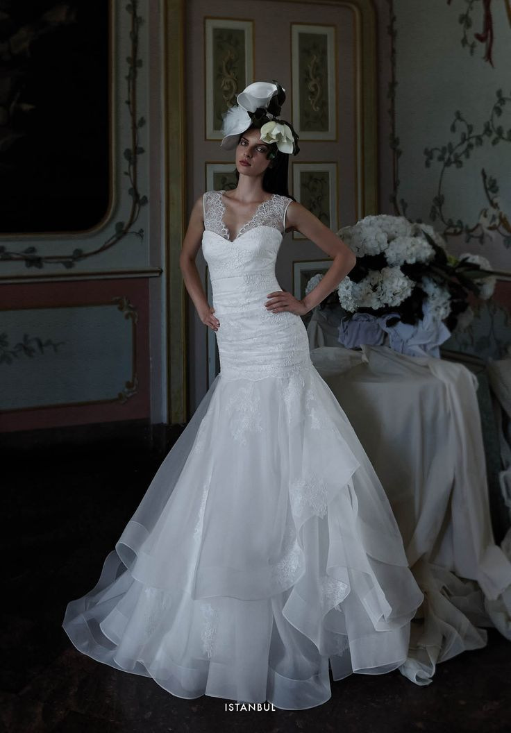 Collezione EP 2015 - Elisabetta Polignano: ricami in pizzo #wedding #weddingdress #weddinggown #abitodasposa