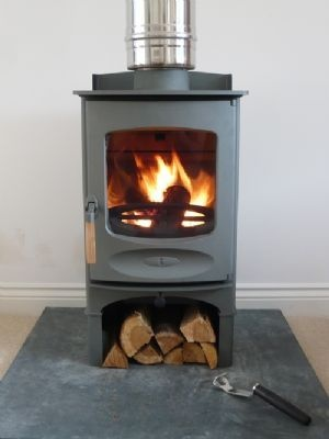 CHARNWOOD C-FOUR MULTIFUEL STOVE with Logstore, in Gunmetal Grey