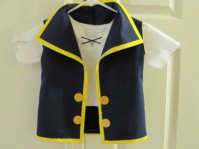 between the toys: Jake and the Neverland Pirates costume tutorial