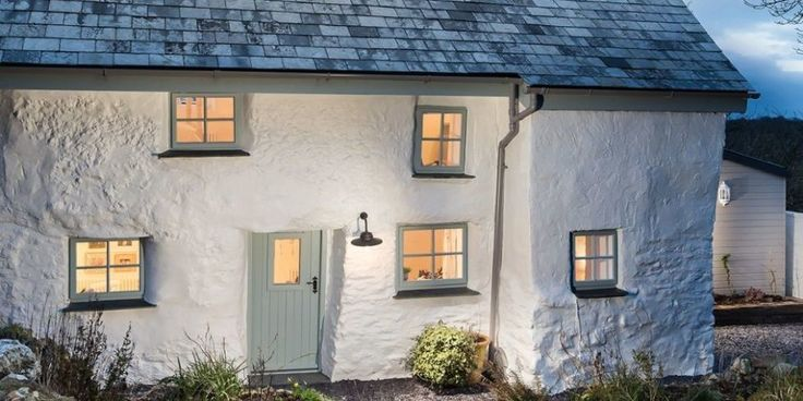 This picture-perfect Cornish cottage is the home of your dreams