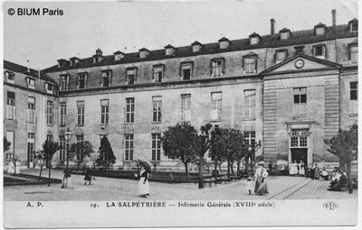 Boulevard de l'Hôpital. En 1656, à son ouverture, la Salpêtrière de Paris s'impose comme le plus grand établissement d'enfermement de femmes.