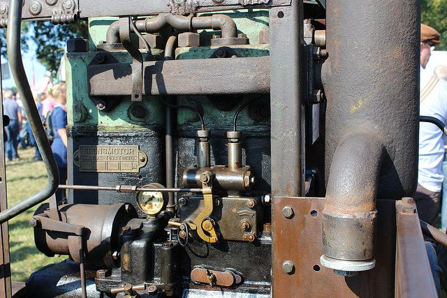 1938 Brons tractor, the engine