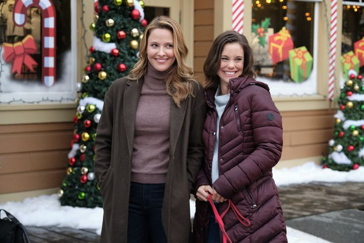 Check Out The Photo Gallery From The Hallmark Channel Original Movie Christmas In Evergreen Tidings Of Joy S Hallmark Movies New Family Movies Maggie Lawson